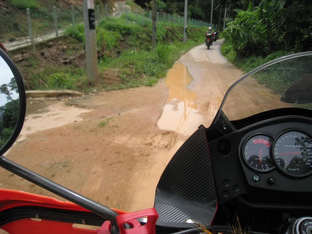 038_zpsc58ddd04.jpg /Big bikes up the highlands of penang...the unseen side...awesome greenery/Malaysia - Motorcycle Road Trip Reports Forum/  - Image by: