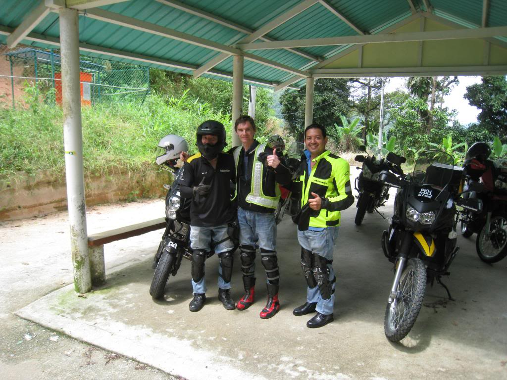 049_zpsc5ce32dd.jpg /Big bikes up the highlands of penang...the unseen side...awesome greenery/Malaysia - Motorcycle Road Trip Reports Forum/  - Image by: