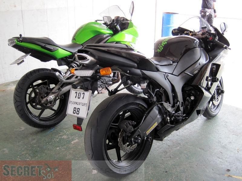 060610ZX6R650RSSR.