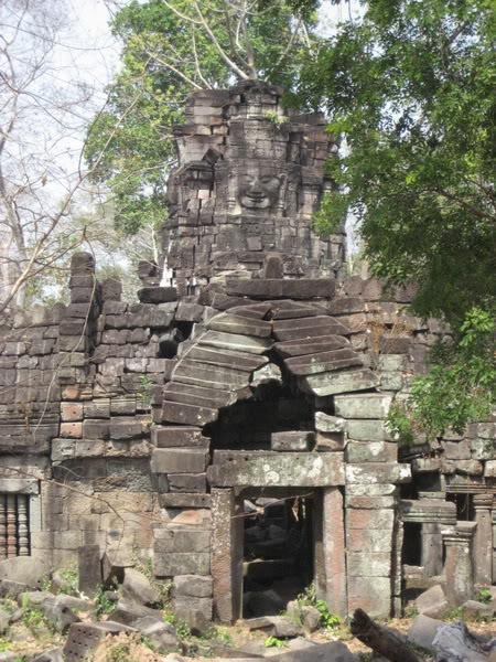 12.jpg /Our trip of February 2008 part 1/Cambodia Motorcycle Trip Report Forums/  - Image by: