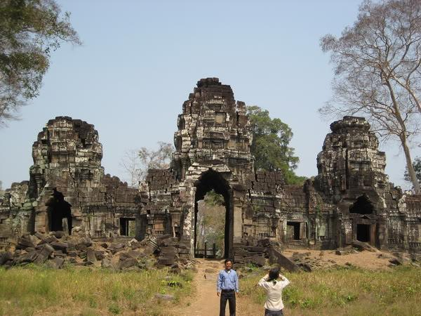 13.jpg /Our trip of February 2008 part 1/Cambodia Motorcycle Trip Report Forums/  - Image by: