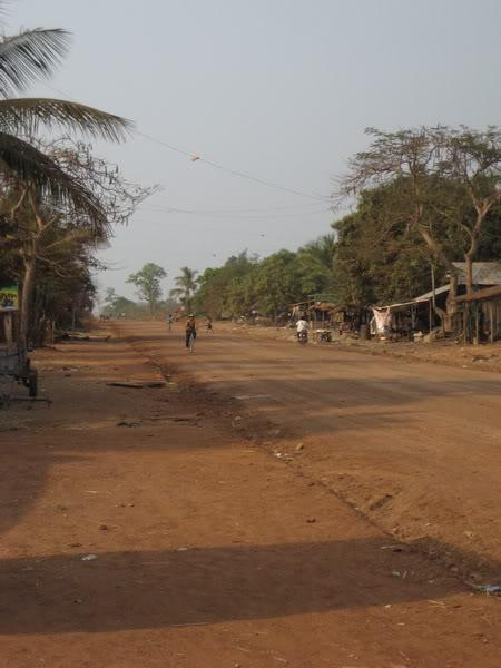16.jpg /Our trip of February 2008 part 1/Cambodia Motorcycle Trip Report Forums/  - Image by: