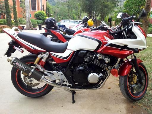 180227_490927372740_51822757740_6464997_7778804_n.jpg /For sell  honda cb 400 boldor  superfour  hyper vtec 3  with fully registed green bk./Motorcycle Buy & Sell - S.E. Asia/  - Image by:
