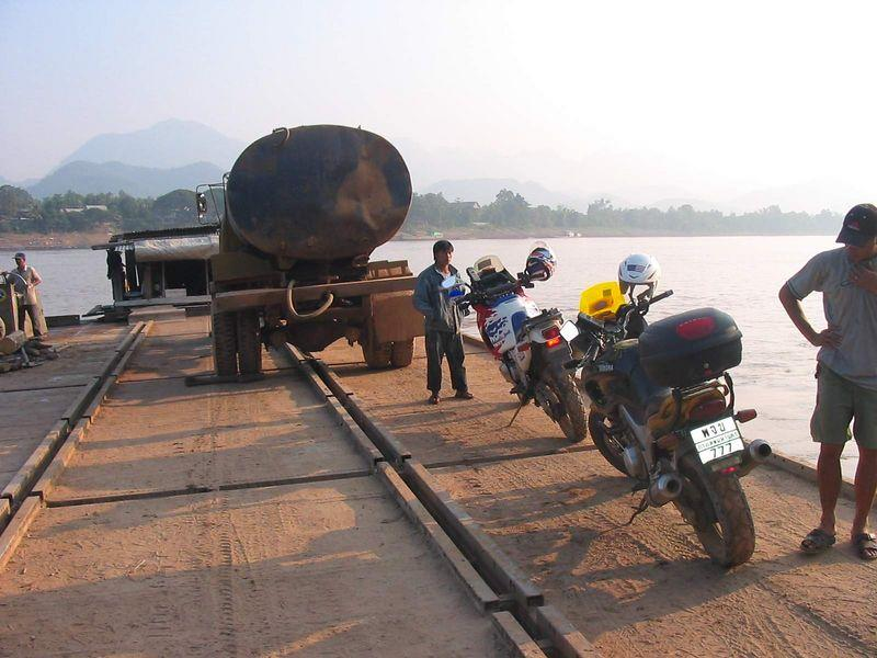 19239097-L.jpg /Laos Expedition 2004/Laos Road  Trip Reports/  - Image by: