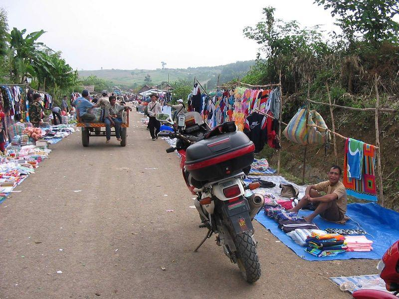 19301256-L.jpg /Laos Expedition 2004/Laos Road  Trip Reports/  - Image by: