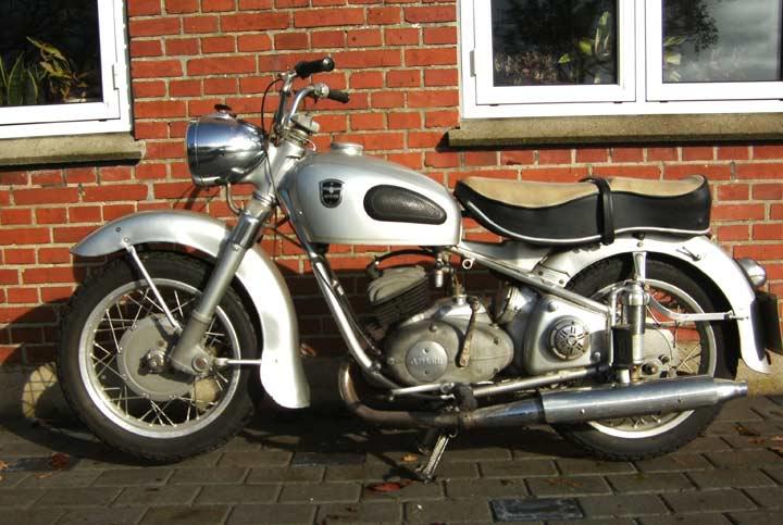 1952AdlerMB250.