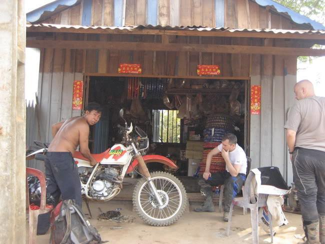 20.jpg /our trip of February 2008 (with video's this time)/Cambodia Motorcycle Trip Report Forums/  - Image by: