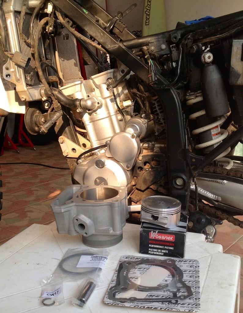 20140424-103657.jpg /Installing a Kawasaki KLX 330cc Kustom Kraft Big Borel a DIY guide./Technical/  - Image by: