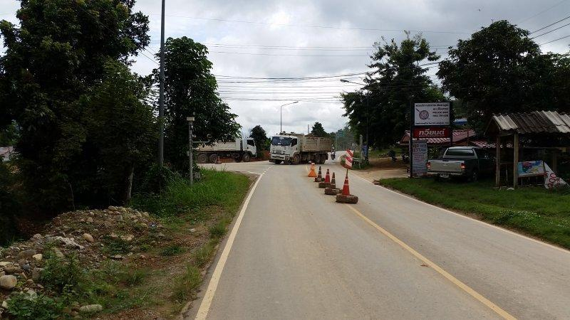 2016-09-01 09.15.45.jpg /Roadworks On 1129 - Chiang Saen To Chiang Khong/Touring Northern Thailand - Trip Reports Forum/  - Image by: