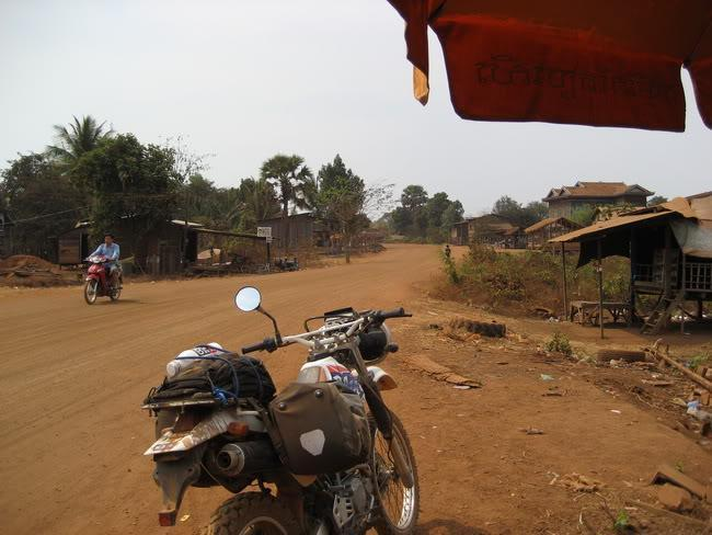 22.jpg /our trip of February 2008 (with video's this time)/Cambodia Motorcycle Trip Report Forums/  - Image by:
