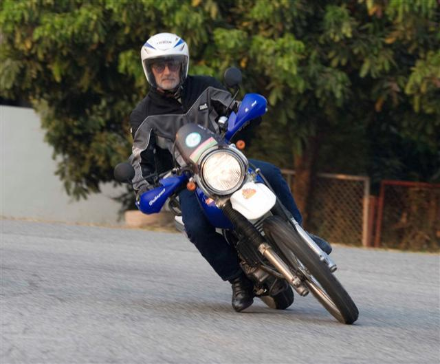 250trackb.jpg /Convert dirtbike for onroad use/General Discussion / News / Information/  - Image by: