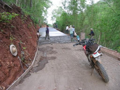 25563141-M.jpg in The MHS Loop: Checking Dirt Roads  Trails from  DavidFL at GT-Rider Motorcycle Forums