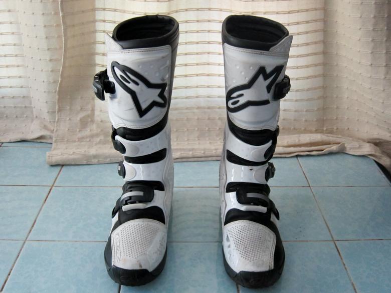 264362=577-Boots02.jpg /Alpinestars Tek 3 Boots and M. Robert Modular Helmet/Motorcycle Buy & Sell - S.E. Asia/  - Image by: