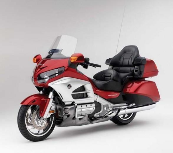 266138=1774-2012-Honda-Gold-Wing-Unveiled-587x519.