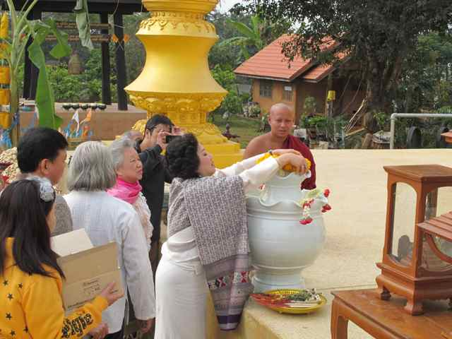 266462=1998-IMG_3437.jpg /Thailand's first bamboo chedi - a new place of interest on the Chiang Rai leg./Touring Northern Thailand - Trip Reports Forum/  - Image by: