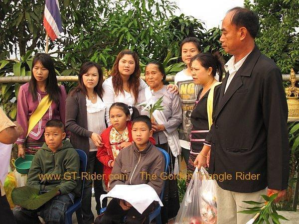 266966=2431-poi-sang-long-thoed-thai-2011_001.