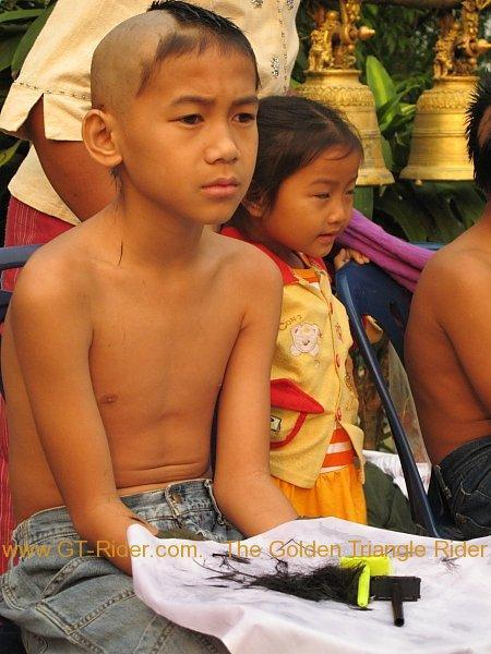 266966=2439-poi-sang-long-thoed-thai-2011_002.
