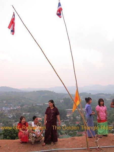 266992=2485-poi-sang-long-thoed-thai-2011_073.