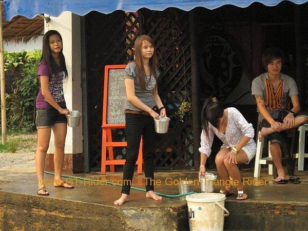 266992=2492-poi-sang-long-thoed-thai-2011_035.