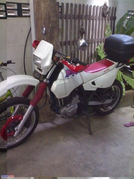 267328=2948-Suzuki%20DR650.