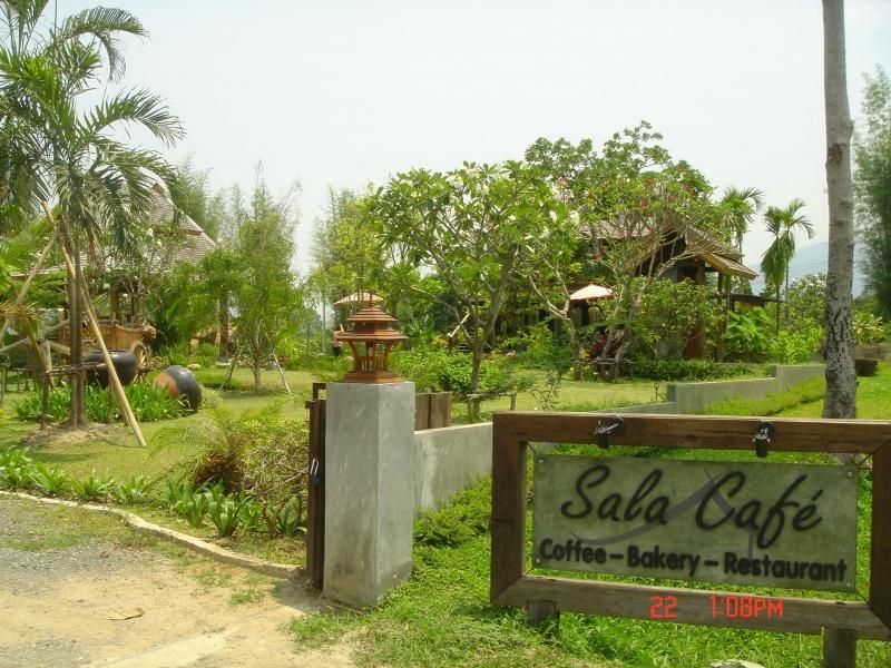 267392=2980-DSC00339.jpg /Mae Rim Resturants/Restaurants - North Thailand/  - Image by: