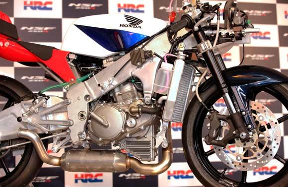 268917=3843-Honda250_60.