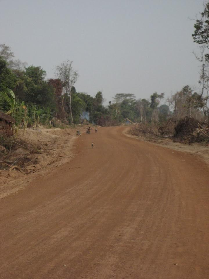 27.jpg /our trip of February 2008 (with video's this time)/Cambodia Motorcycle Trip Report Forums/  - Image by:
