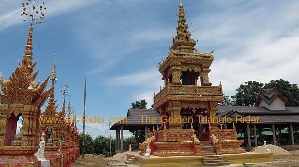 270361=4682-img_8723.jpg /Wat Sang Kaew Phothiyan/Touring Northern Thailand - Trip Reports Forum/  - Image by: