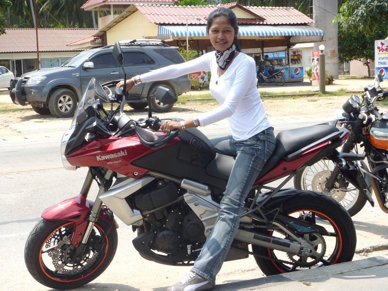271781=5402-Anny-On-V-2010.jpg /Kawasaki Versys - 2011 Model (Krabi)/Motorcycle Buy & Sell - S.E. Asia/  - Image by: