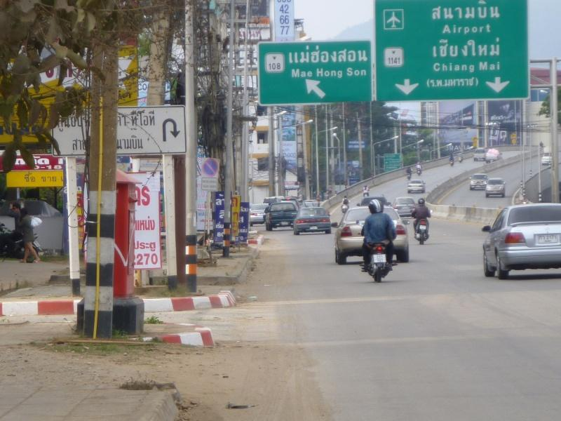 273870=6717-P1000255.jpg /Chiang Mai Handy Motorcycle Related Shops/Northern Thailand - General Discussion Forum/  - Image by: