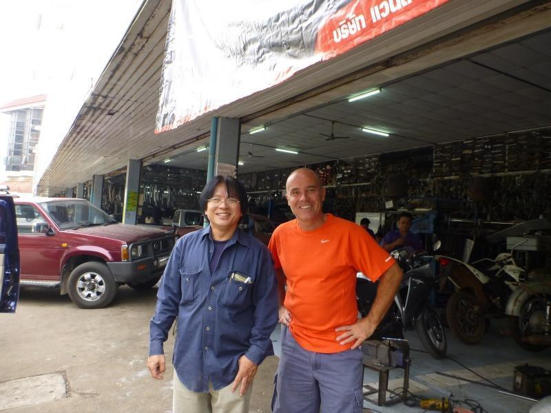 274049=6923-P1000348.jpg /Chiang Mai Handy Motorcycle Related Shops/Northern Thailand - General Discussion Forum/  - Image by:
