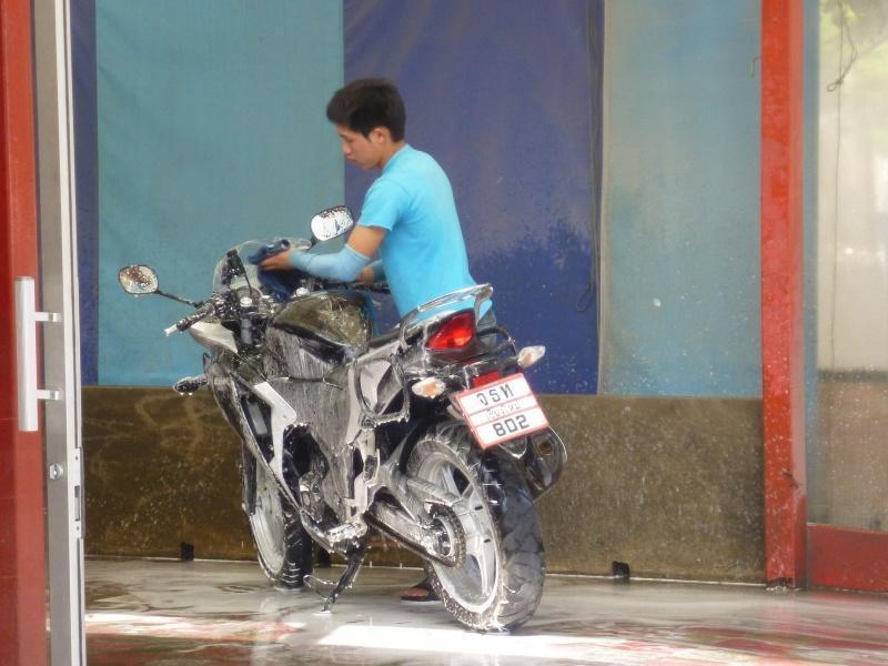 274471=7378-P1000814.jpg /Chiang Mai Handy Motorcycle Related Shops/Northern Thailand - General Discussion Forum/  - Image by: