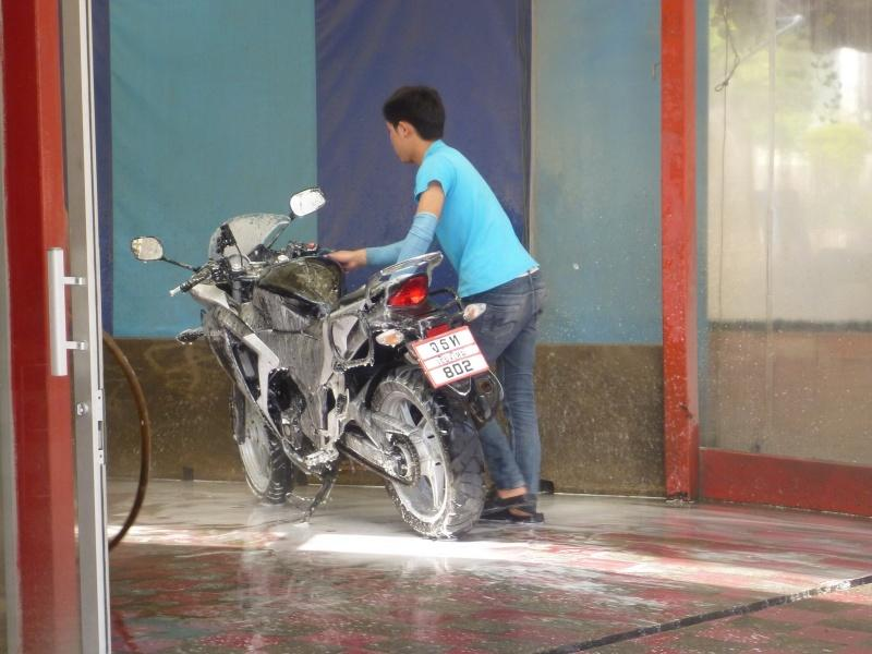 274471=7380-P1000813.jpg /Chiang Mai Handy Motorcycle Related Shops/Northern Thailand - General Discussion Forum/  - Image by: