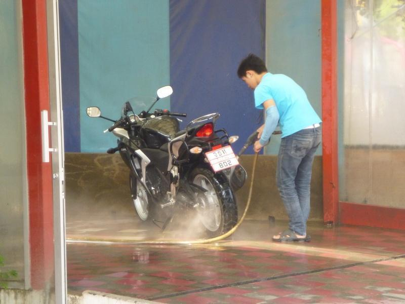274471=7381-P1000812.jpg /Chiang Mai Handy Motorcycle Related Shops/Northern Thailand - General Discussion Forum/  - Image by: