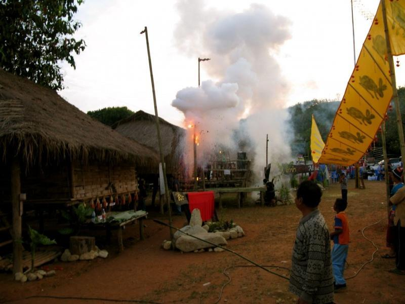 275048=7897-IMG_7340.jpg /The Festival of 9 tribes at Bahn Saeo/Touring Northern Thailand - Trip Reports Forum/  - Image by: