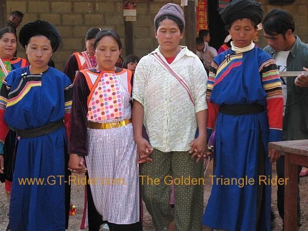 275931=8315-img_9531.jpg /Lisu ( Chinese New Year) 2012/Touring Northern Thailand - Trip Reports Forum/  - Image by: