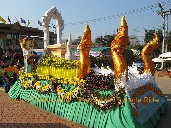 276322=8641-img_0064.jpg /Samoeng Strawberry Festival  2012./Touring Northern Thailand - Trip Reports Forum/  - Image by:
