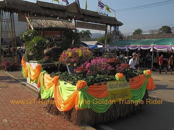 276322=8642-img_0065.jpg /Samoeng Strawberry Festival  2012./Touring Northern Thailand - Trip Reports Forum/  - Image by: