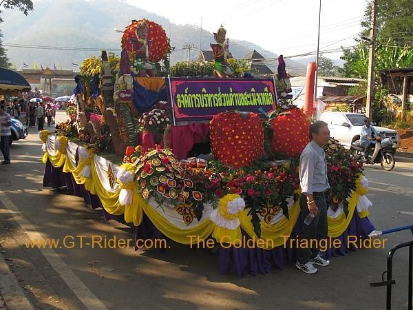276322=8643-img_0066.jpg /Samoeng Strawberry Festival  2012./Touring Northern Thailand - Trip Reports Forum/  - Image by: