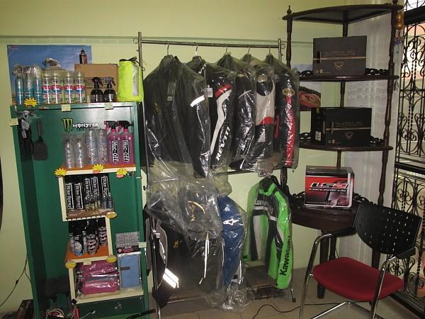 277420=9321-IMG_0967.jpg /Chiang Mai Handy Motorcycle Related Shops/Northern Thailand - General Discussion Forum/  - Image by: