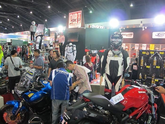 277978=10002-IMG_1598.jpg /33rd Bangkok Motor Show 2012/General Discussion / News / Information/  - Image by:
