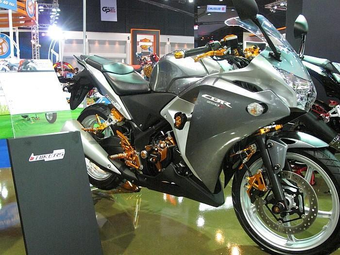 277978=10015-IMG_1555.jpg /33rd Bangkok Motor Show 2012/General Discussion / News / Information/  - Image by: