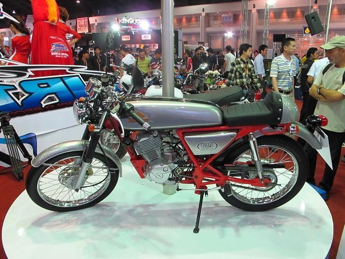 277992=10044-IMG_1609.jpg /33rd Bangkok Motor Show 2012/General Discussion / News / Information/  - Image by:
