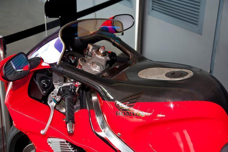 279065=10621-Honda-NR-1-L.