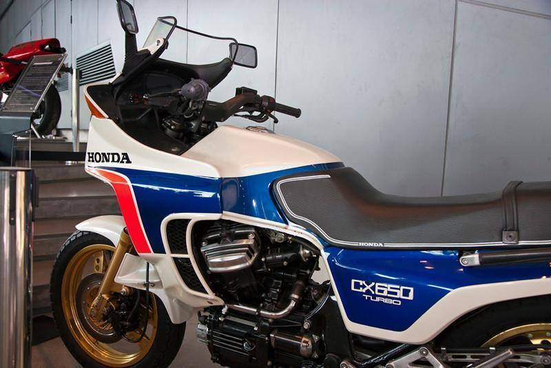 279065=10635-Honda-CX650-L.