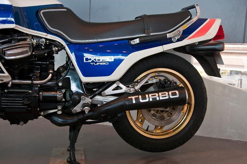 279065=10636-Honda-CX650-2-L.