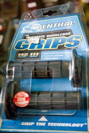 279202=10693-Renthal-Grips-LR-M.jpg