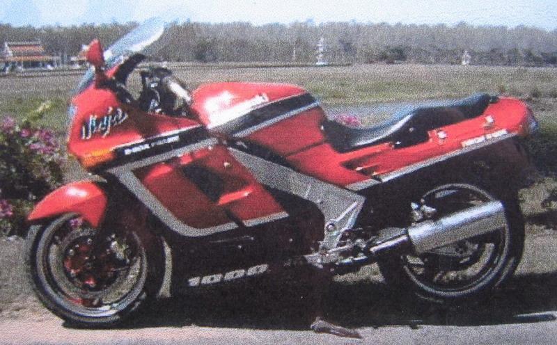 281480=11779-Kawasaki%20GPZ%201000%20RX.jpg