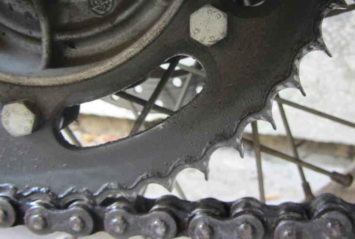 281880=11904-IMG_1794%20bent%20sprocket%20teeth.jpg