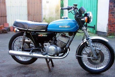 284803=13622-Suzuki%20GT250.jpg